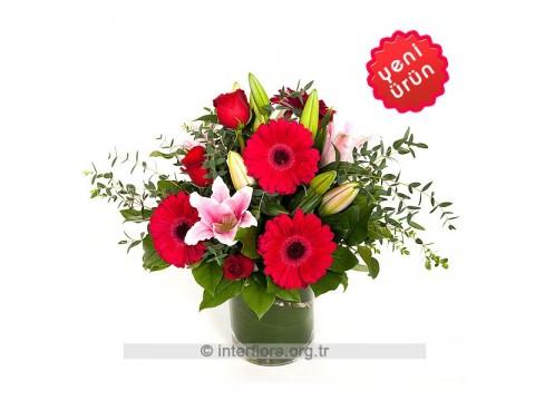 Kırmızı Gül ve Gerbera - Lilyum Aranjmanı