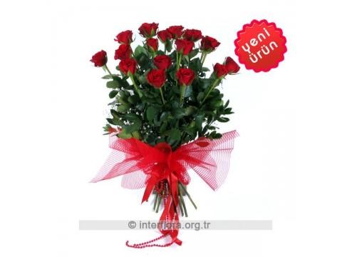 15 Özel Kırmızı Gül Buketi - Sevgiliye Hediye