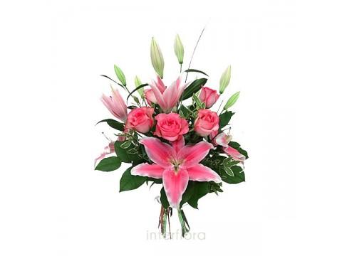 Lilyum ve güllerden oluşan buket