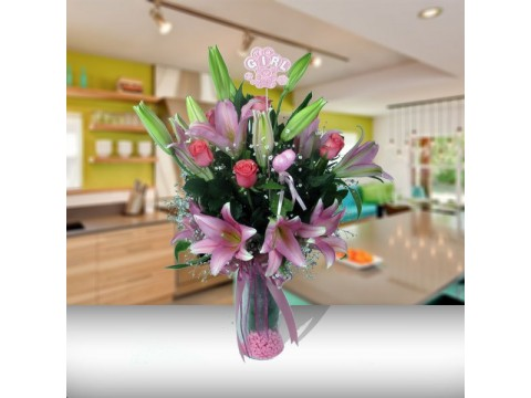 Pembe Gül ve Lilyumlar - Yeni Kız Bebek Çiçeği